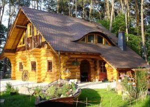 Оцилиндрованные и рубленые дома: преимущества и недостатки