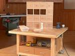 Сборочный, рабочий стол из дерева для мастерской