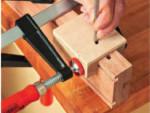Приспособления - кондукторы для зачистки гнезд