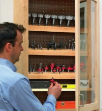 Шкафчик-витрина для фрез и сверл