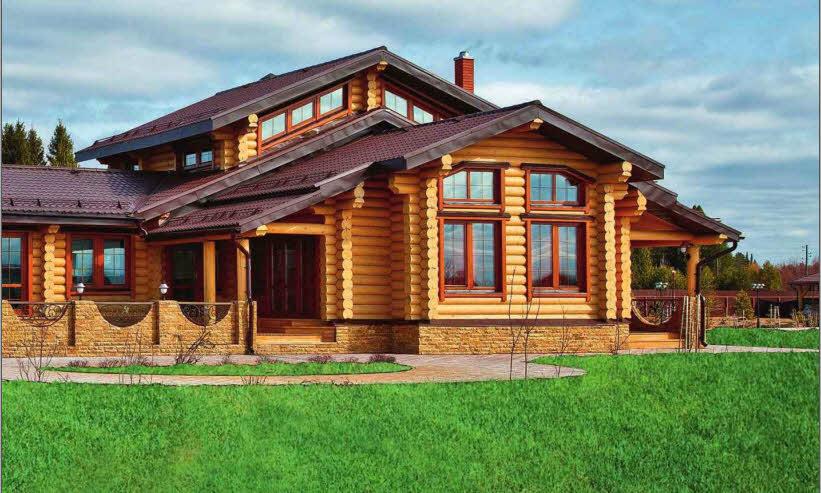 В архитектуре усадьбы соединены традиции деревянного домостроения и современные конструктивные решения. Особенно впечатляет сочетание сруба из бревен большого диаметра с панорамным остеклением